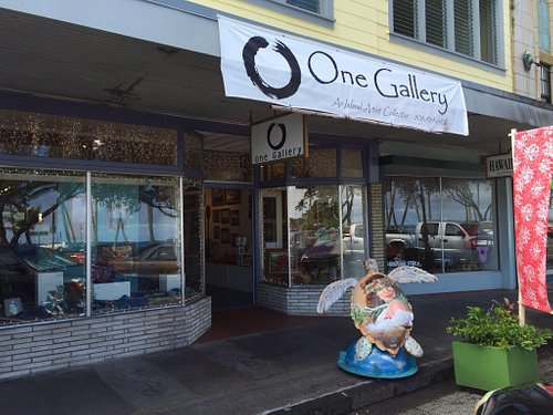 Interesting art shop with many local artists