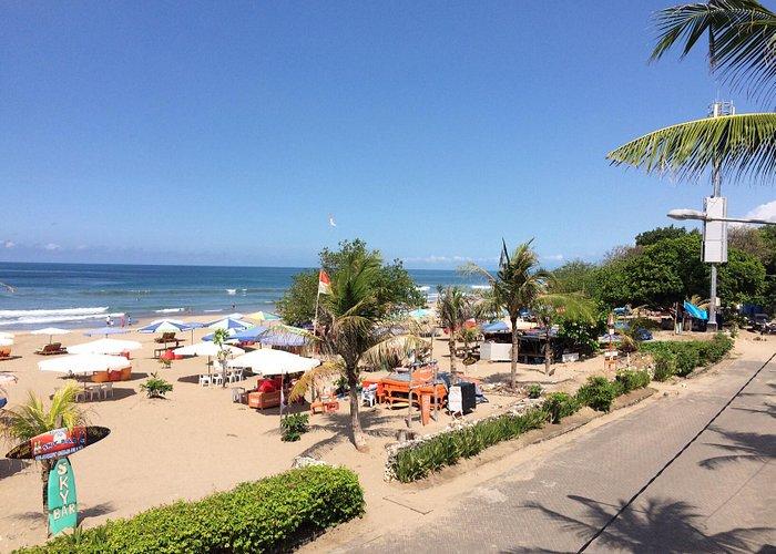 Playa Legian frente hotel Niksoma