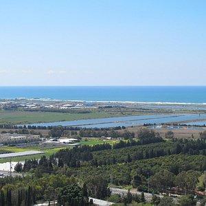 הנוף הנצפה מגג מגג המוזיאון ינקו-דאדא בעין הוד Janco Dada Ein Hod