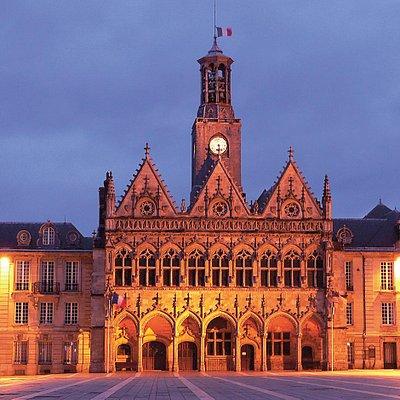 Hôtel de Ville de nuit