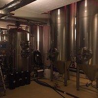 Echte lokale brouwerij, proeflokaal en binnenkort ook restaurant.