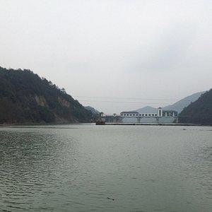 Yanling Lake