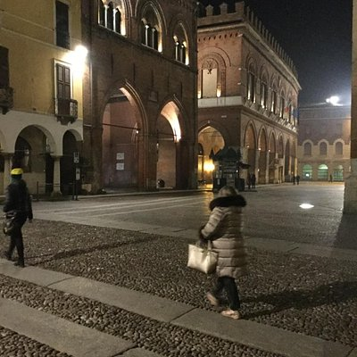 palazzo del comune e loggia dei militi di sera