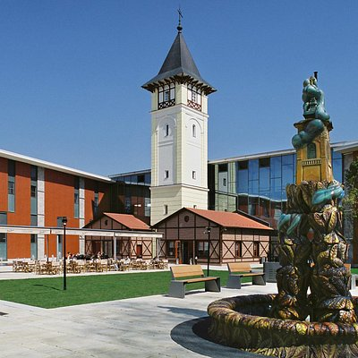 Gareden: Zsolnay Ornamental Fountain and The Water Tower