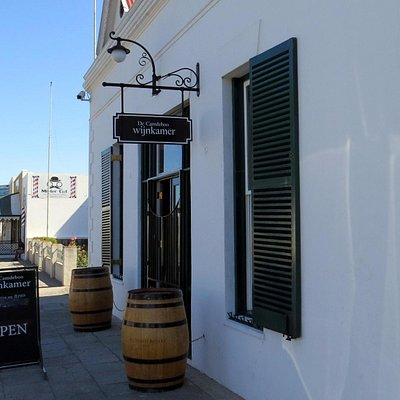 Wijnkamer Entrance
