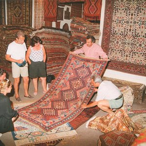 Guests' experiences of buying handmade carpets