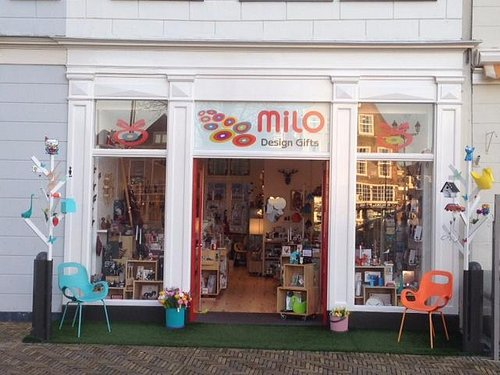 Milo Design Gifts, on the square near the New Church