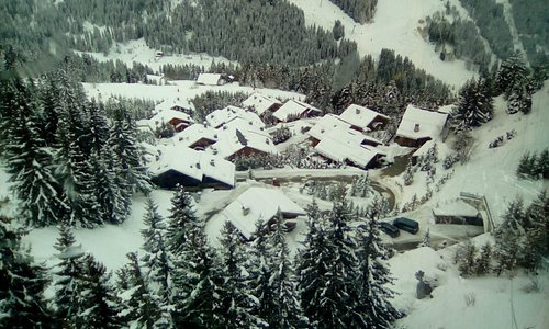 Excelent location to go skiing from beginners to expert. This is a view fron the gondola .