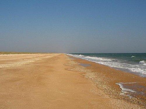 Более 100км песчаных пляжей на Арабатской косе