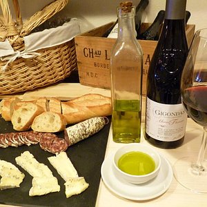 Toto vám zvládneme připravit  a můžete snoubit jídlo s vínem :-)