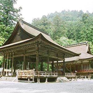 国宝西本宮本殿と重文拝殿