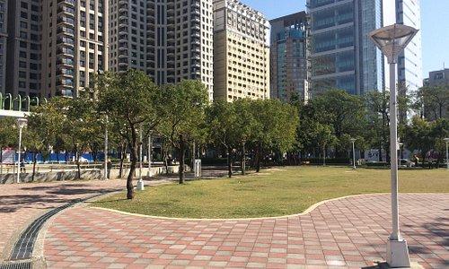 很空曠的公園