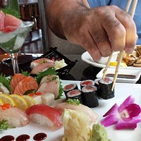 An image of the sushi and sashimi deluxe.