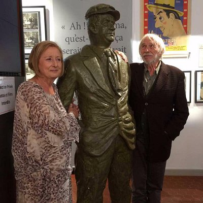 Inauguration du musée Raimu  à Marignane   Ici  sa petite fille et  P Richard  ( le parrain)
