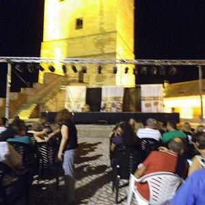 Una noche de teatro en la Alcazaba de las Siete Torres