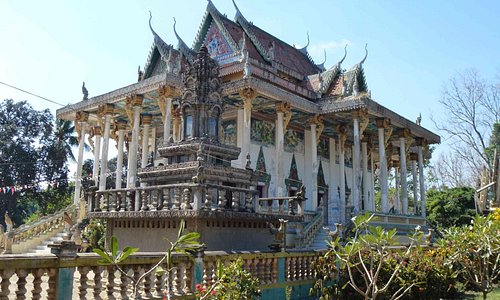 The Ek Phnom temple