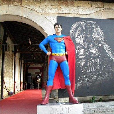 Супермен встретит вас у входа