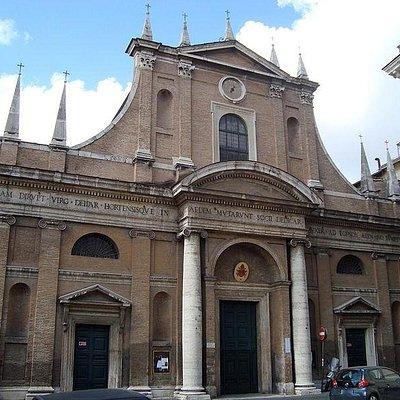 Questa è la facciata della chiesa