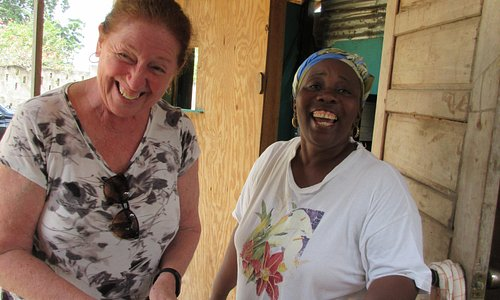 Garifuna firehearth cooking in Hopkins Village!