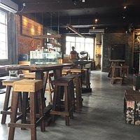 宁静优美充满浓浓咖啡味的咖啡厅!
