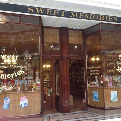 Sweet memories in wayfarers arcade