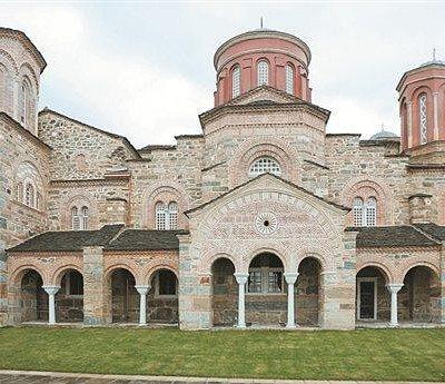 Η εκκλησία του Τιμίου Προδρόμου.