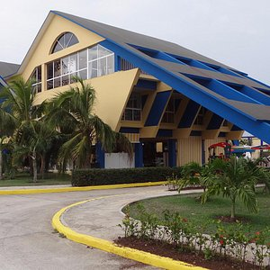 La Gaviota Shopping Center (you can find all you need here)