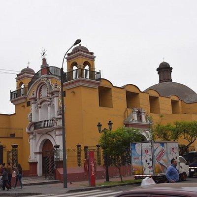 Iglesia de Jesus, Maria y Jose