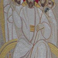 Il mosaico sulla facciata, di Marko Ivan Rupnik.