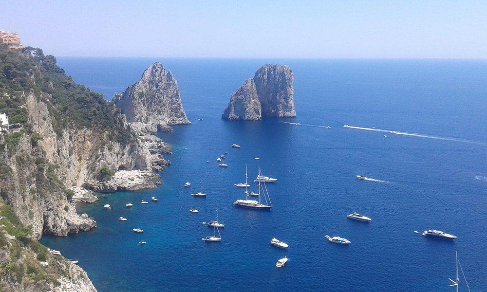 Excursion to Capri Island with a private boat