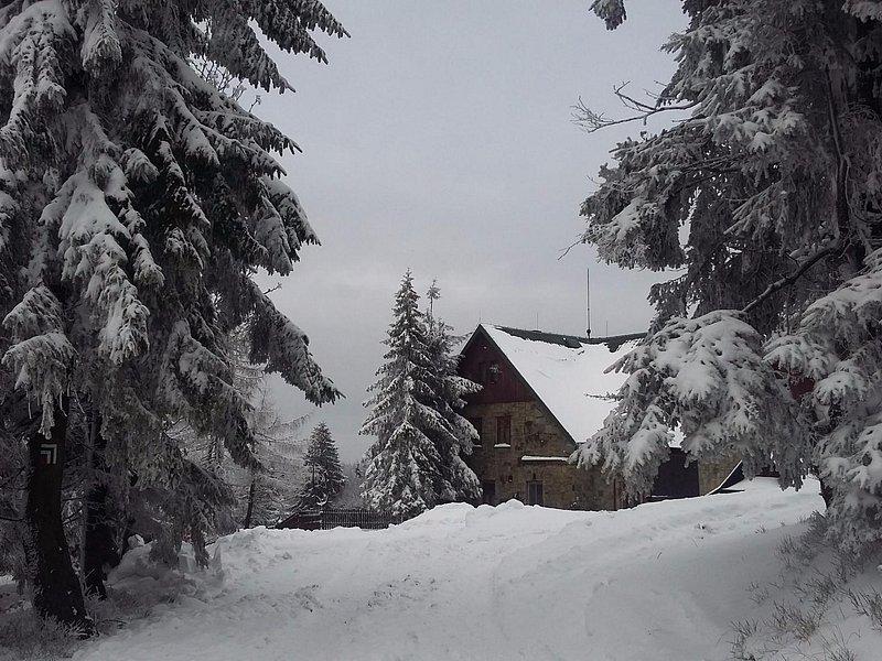 Schronisko w zimowej szacie