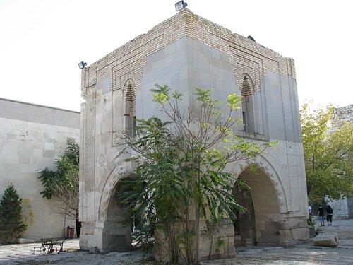 la mosquée au centre du caravansérial