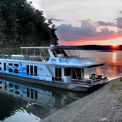 Lake Cumberland - Houseboat Capital of the World