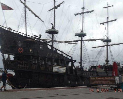 Piękny statek piracki z Możliwością zwiedzenia podrózy oraz posiłku
