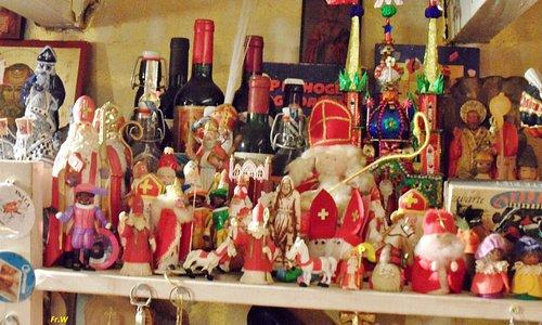 Het overvolle Sinterklaas museum .  nl .