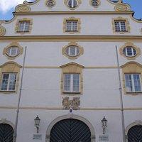 Hauptfassade des Kornhauses