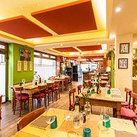 Piccolo ed accogliente ristorantino, da noi troverete un ambiente intimo, accogliente semplice c