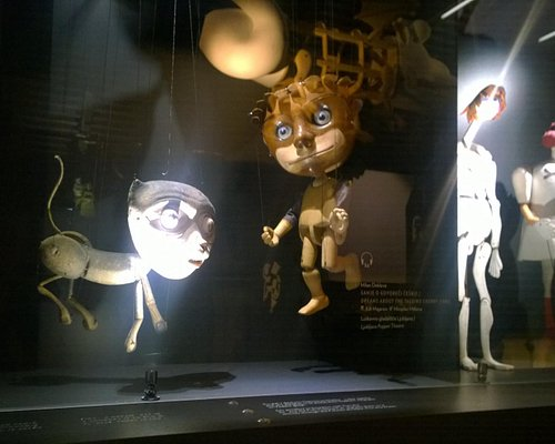 Static sets with different styles of puppets.