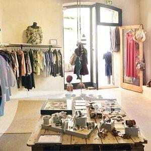 Boutique située dans le coeur du quartier du Panier à Marseille.