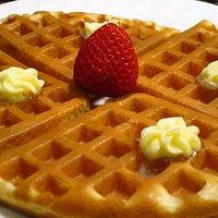 バターワッフル / Waffle with butter and strawberry