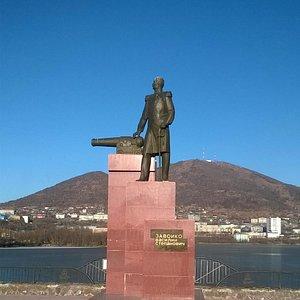 Памятник Василию Завойко (Петропавловск-Камчатский, на берегу Култушного озера). Фото Т. Борисов