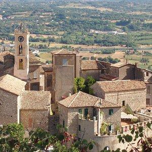 Il centro storico di Falvaterra: si può ammirare il campanile della Chiesa