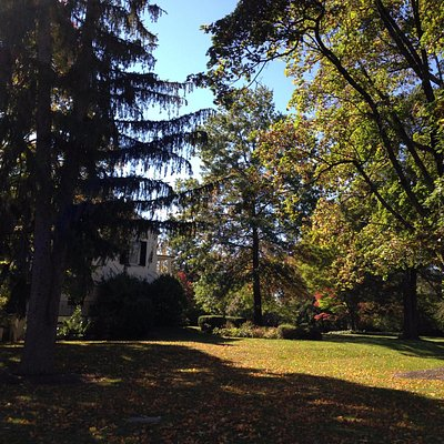 Old Colonial Palmer House and beautiful grounds