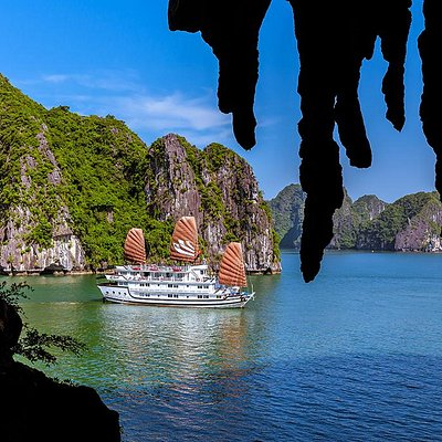Bhaya Classic - The largest cruise in Halong Bay