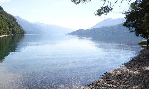 Muy cerca, el Lago Rivadavia