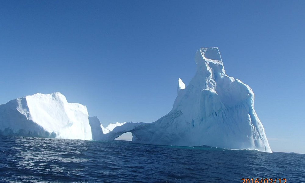 iceberg  a nonforgaatable picture of world