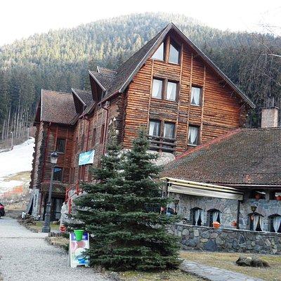 láuberge Fortuna et la piste de ski