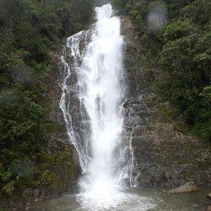 Air Terjun Sarambu Assing di Bittuang, Tana Toraja