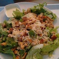 Salada ceasar de frango