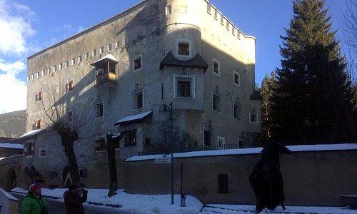 замок Хербштенбург